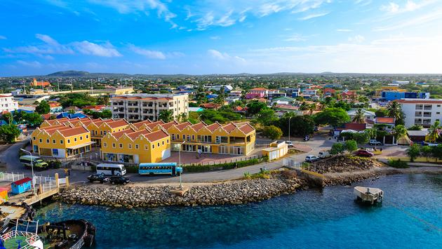PHOTO: The Colorful waterfront and harbor of Bonaire (photo via dbvirago / iStock / Getty Images Plus)