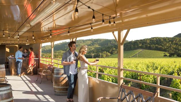 napa valley, wine, train, rail car, couple