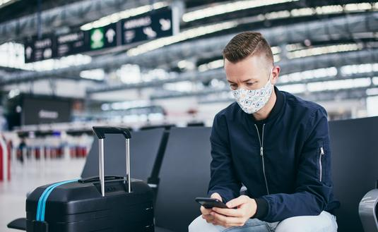 Wearing a mask while traveling at the airport
