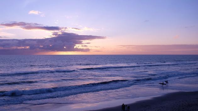Las puestas de sol son mágicas enel hotel Beach Terrace Inn en Carlsbad, California.