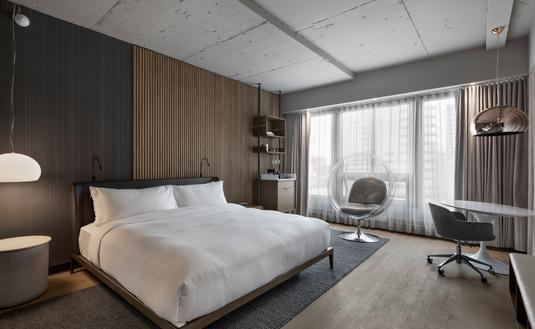 Une chambre à l'Hotel Le Germain Montréal