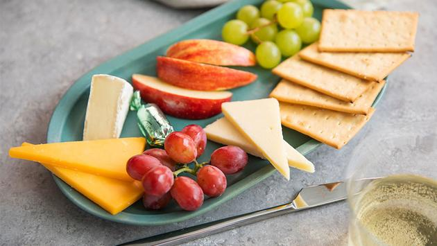 Alaska Airlines' fruit and cheese platter.