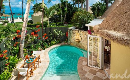 1 Free Night at Sandals Resorts Antigua, St. Johns, and Barbuda