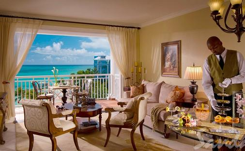 $1,000 Instant Credit: Windsor Honeymoon Oceanview One Bedroom Butler Royal Suite