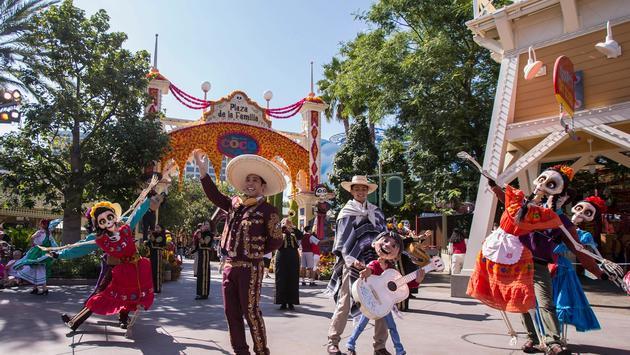 Plaza de la Familia Returns to Disney California Adventure Park.