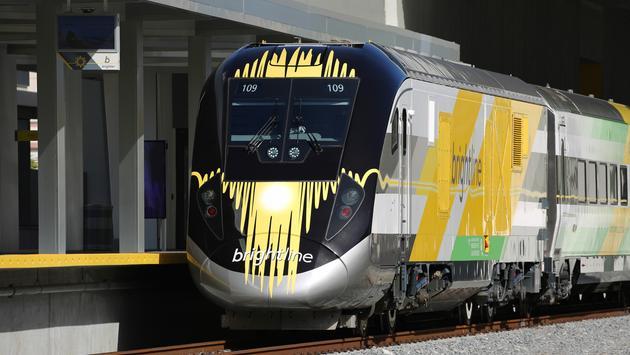 train, brightline, travel