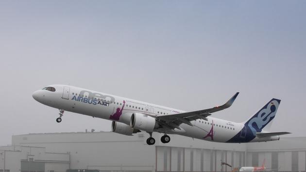 Airbus, A321LR, plane