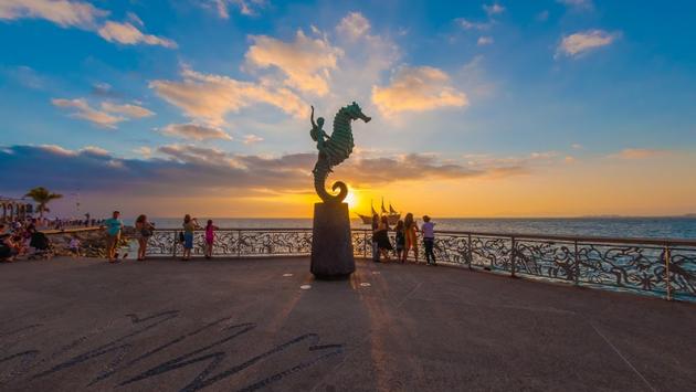 Puerto Vallarta se mantiene como uno de los principales destinos de sol y playa de México. (Foto de Puerto Vallarta).
