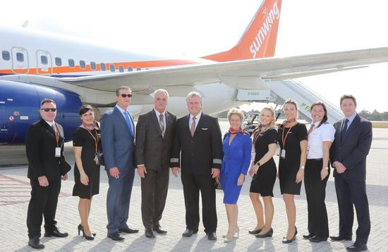Sunwing Arrives in the Cayman Islands