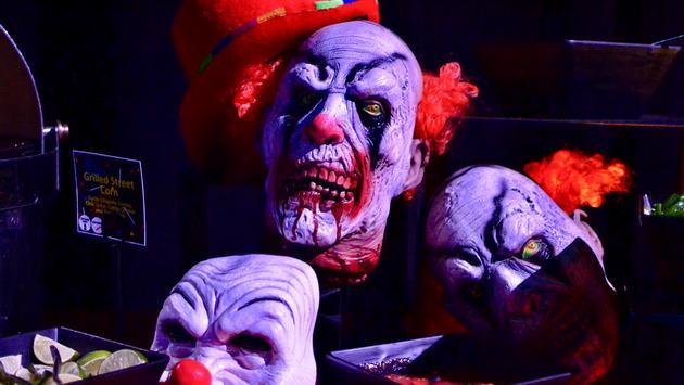 haunted houses, killer clowns, Universal Orlando, Halloween Horror nights