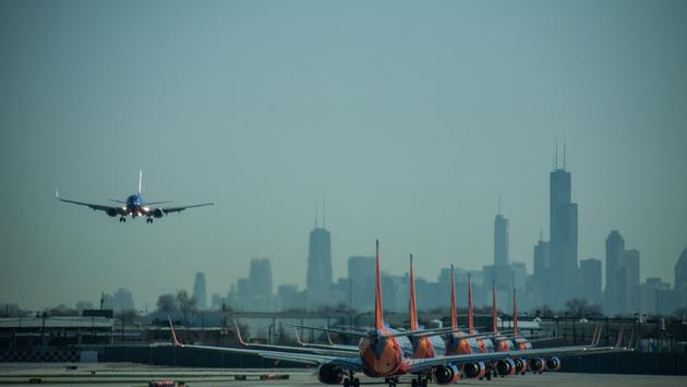 Southwest Airlines Boeing 737s lined up for takeoff at Chicago Midway International Airport