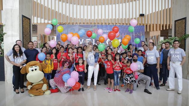 Radisson Hotel Group's Executive Leadership Team Help Batam Orphanage