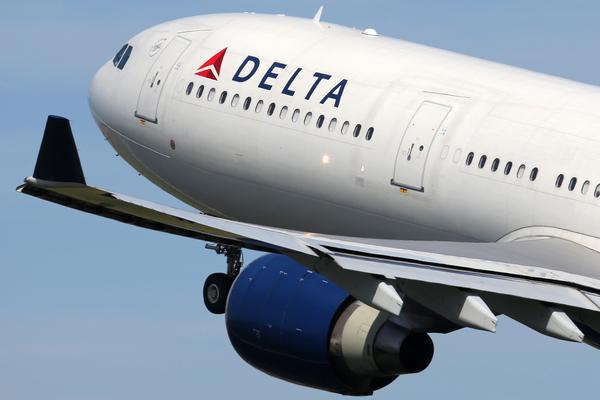 Delta Air Lines Helps Fifth-Grade Class After American Cancels Flight