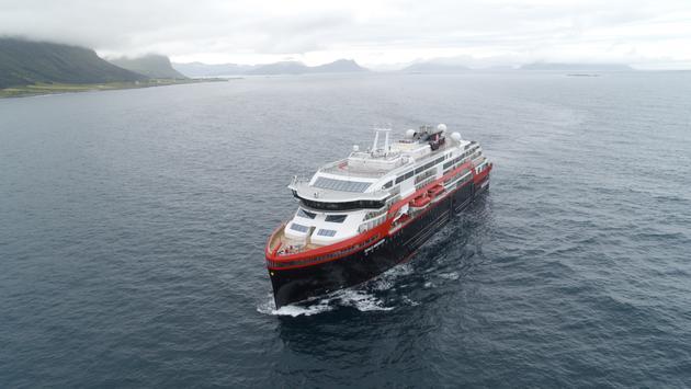 Hurtigruten, Roald, Amundsen