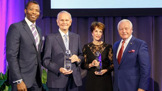 Bob Moore and Nancy Novogrod, US Travel Hall of Fame