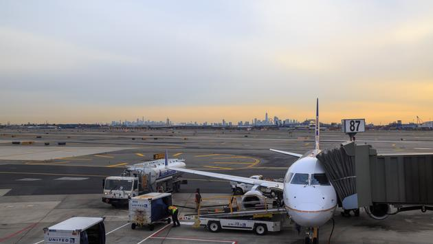 United Airlines, airplane, Newark Airport