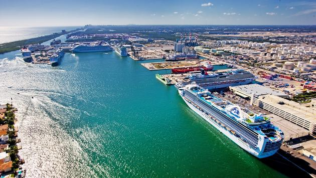 Record cruise day at Port Everglades
