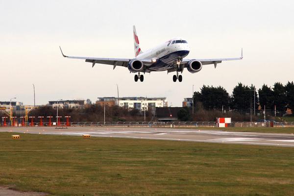 WATCH: Plane Makes Super Low Landing at Greek Airport