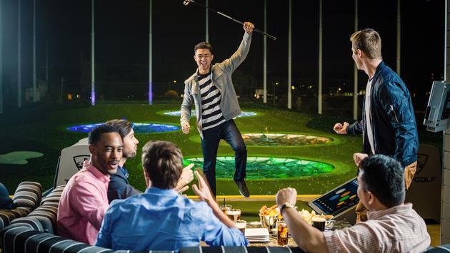 FOTO: Disfrute con amigos en Top Golf (Foto de Top Golf)