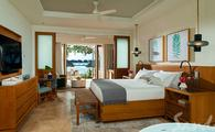Beachfront Honeymoon Walkout Suite: Up to 65 off Rack Rate!