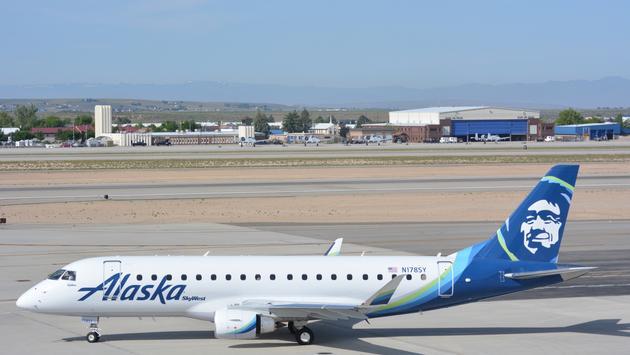 Alaska Airlines SkyWest Embraer E175
