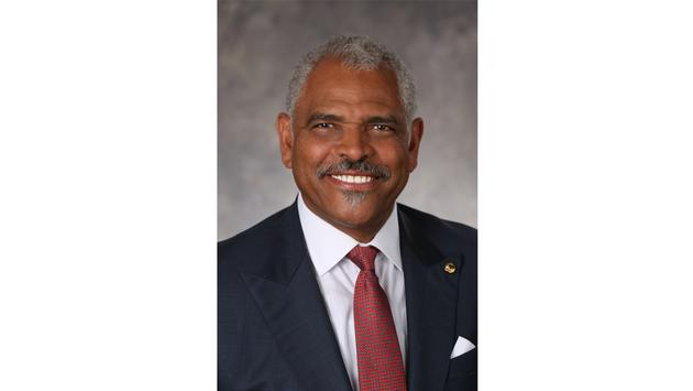 Arnold Donald, CEO Carnival Cruise Line