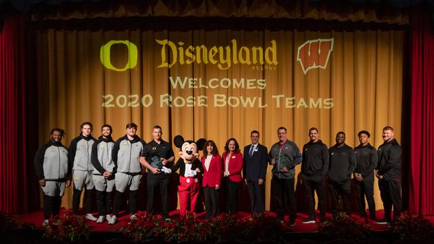Disneyland Resort Welcomes 2020 Rose Bowl Teams Oregon