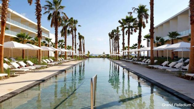Save up to $984 Per Couple at Grand Palladium Costa Mujeres Resort & Spa and TRS Coral Hotel!