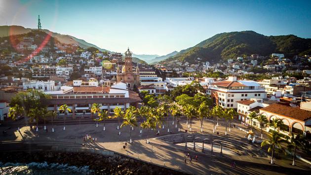 Vista panorámica de la plaza en Puerto Vallarta, jalisco. (Foto del gobierno del estado de Jalisco)