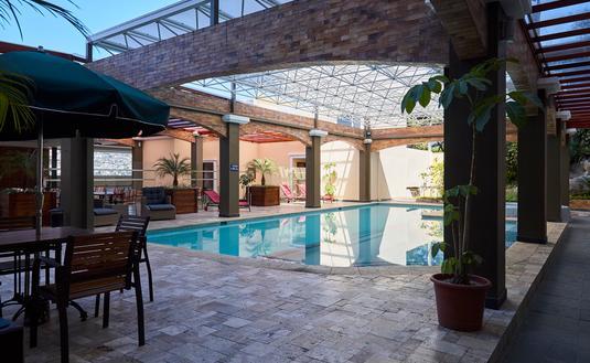 Sonesta Hotel Loja - terrace and pool