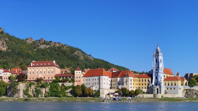 Cruise Walk and Discover - Durnstein