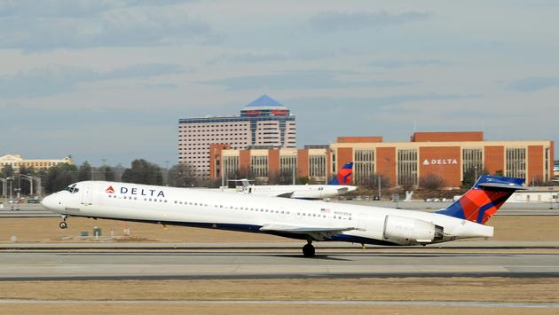 Delta McDonnell Douglas MD-90