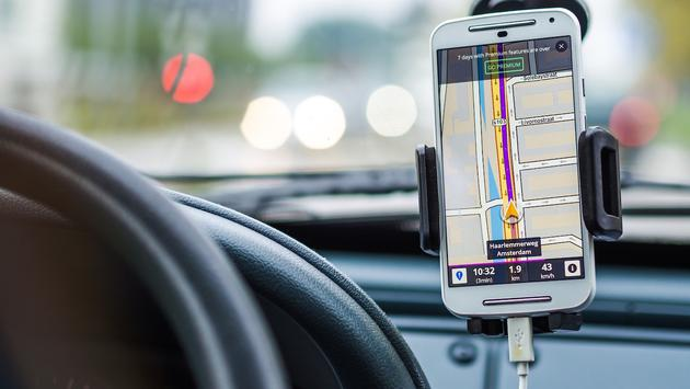 Smart phone GPS navigation in Amsterdam