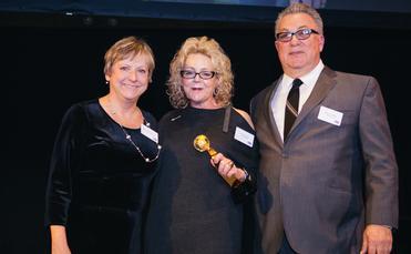 TravAlliancemedia's Theresa Norton (left) and the ShoreTrips team