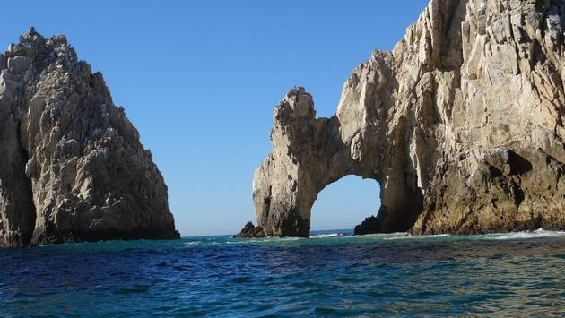 The famed Los Cabos arch