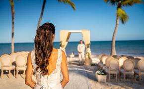 Wedding couple at Sanctuary Cap Cana