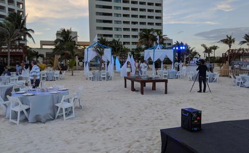 Travel advisors at Hyatt Ziva Cancun
