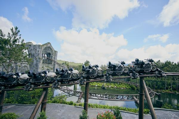 Universal Orlando's New Hagrid Ride Had 10-Hour Wait Time on Opening Day