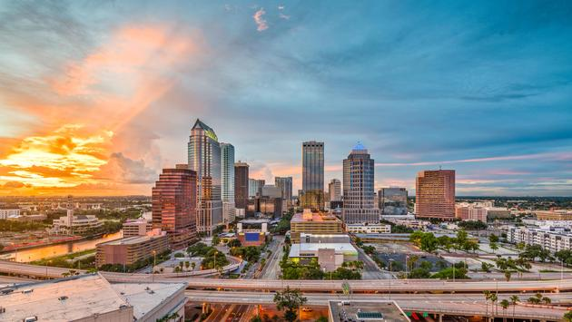 Tampa, Florida skyline at dusk