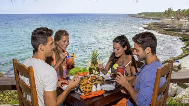 Guests dining at Experiencias Xcaret