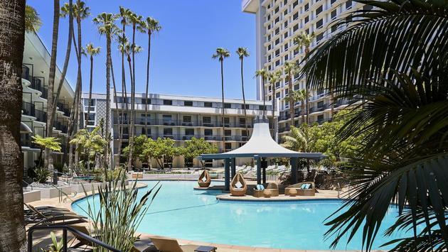 Pool at the LA Airport Marriott Hotel
