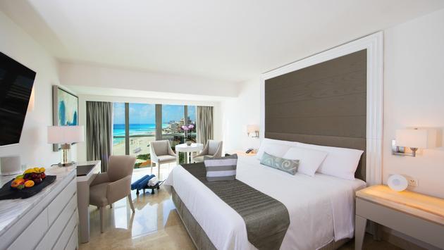 Le Blanc Cancun, room