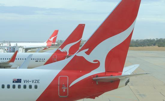 qantas, plane, travel