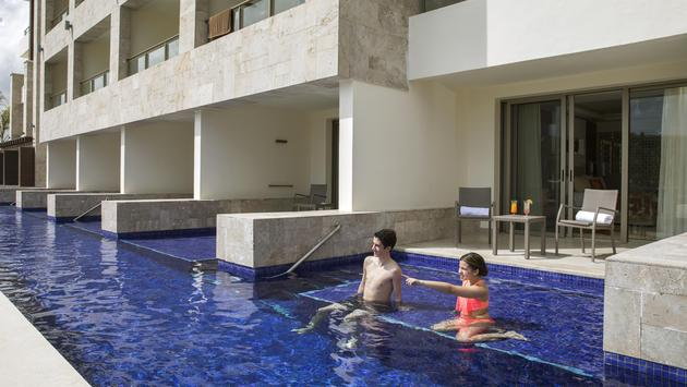 swim-up suite at Royalton Bavaro, Punta Cana