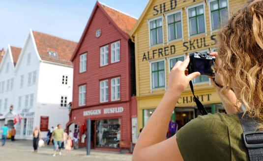 Norway Coastal Solo Traveler Offer from Hurtigruten