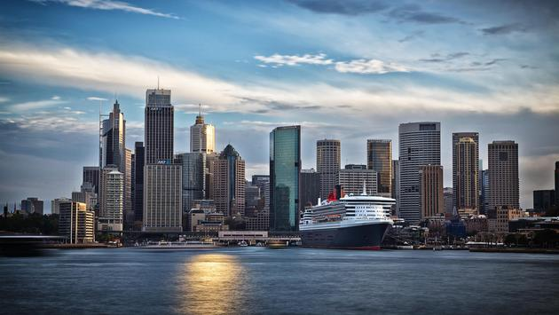 Queen Mary 2 docked at Circular Quay.in Sydney, Australia