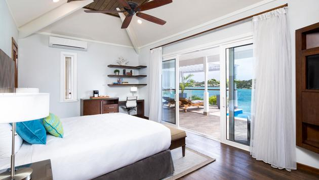 Hammock Cove Resort and Spa bedroom