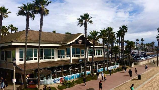 Duke's Huntington Beach