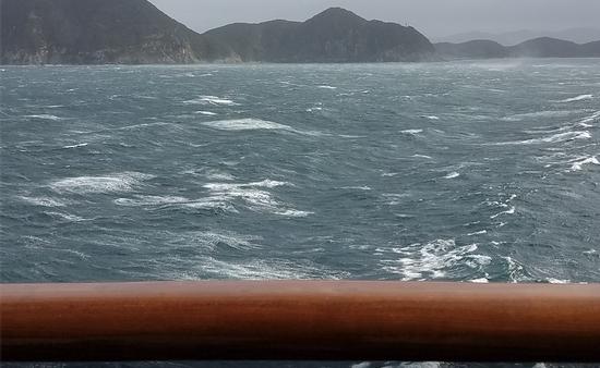 Super Typhoon waves in Pacific Ocean
