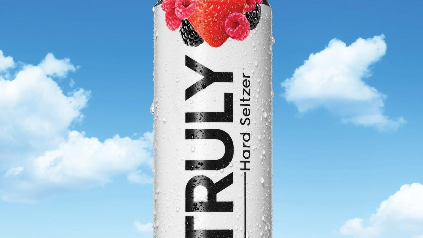 JetBlue Become's First Airline to Offer Truly Hard Seltzer
